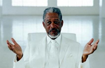 Morgan Freeman kao Bog u