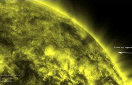 Komet koji dotiče Sunce
