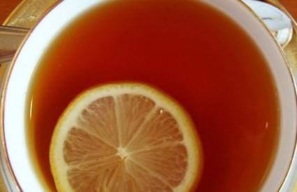 Nema do čaja s limunom i medom