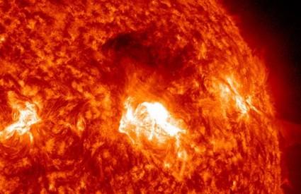 Žestoke eksplozije na Suncu