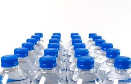 Voda u bočicama kriva za bore?