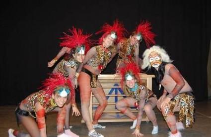 Iluzionističko-plesni show Cijeli svijet je pozornica