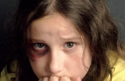 U Hrvatskoj je velik broj djece izložen zlostavljanju
