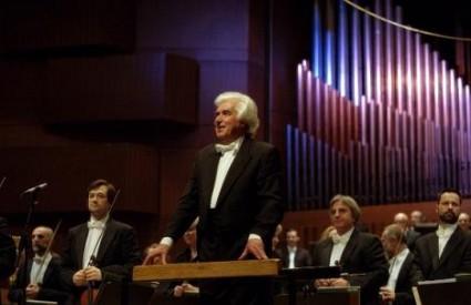 Maestro Kitajenko s Filharmonijom