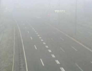 Magla i bura ometaju promet
