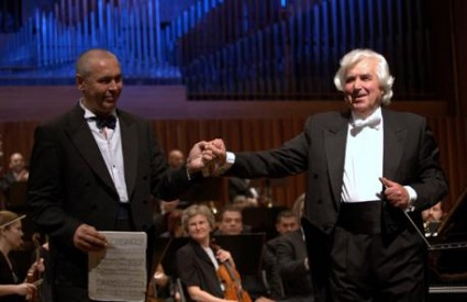 Ivo Pogorelić i maestro Kitajenko sa Zagrebačkom filharmonijom