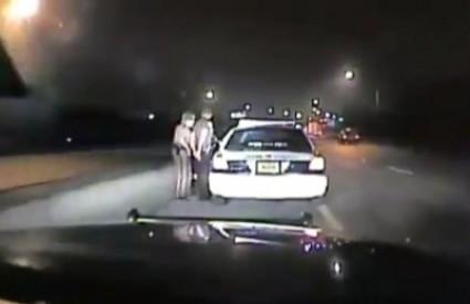 Policajka uhitila kolegu zbog prebrze vožnje