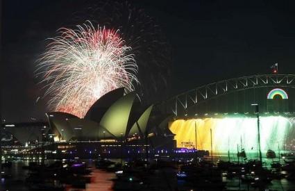 Sydneyska luka osvijetljena vatrometom