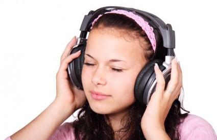 Glazbom protiv fizičke boli