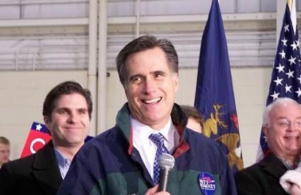 Romney udara ispod pojasa