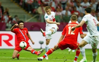 Rusi su pogotkom Džogajeva poveli u 37. minuti utakmice, dok je bod Poljacima donio Blaszczykowski u 57.