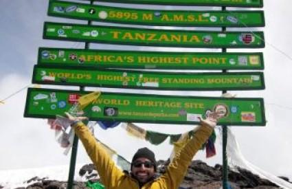 Spancer West nakon osvajanja Kilimandžara