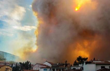 Bura razbuktala požare