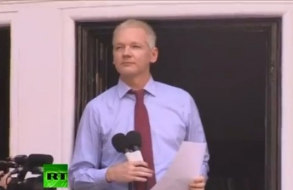 Assange izlazi, ne zna se kako i kada