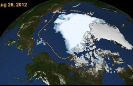 U deset godina ledena kapa se prepolovila