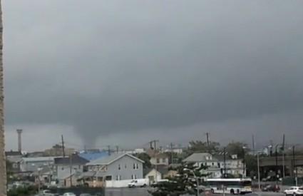 Tornado u Queensu