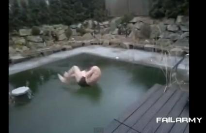 Da, razbit ćeš led na bazenu ...