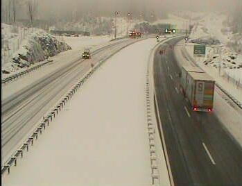 Snijeg je zameo Hrvatsku