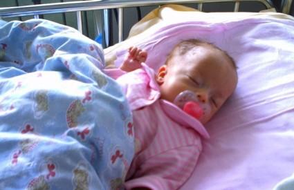 Mala Anastazija bori se za život od rođenja