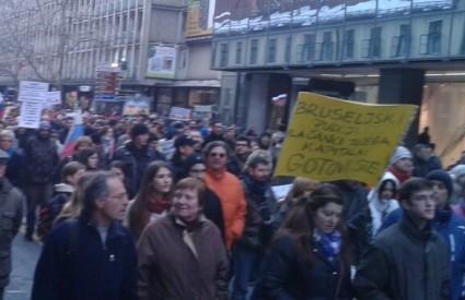 Prosvjednici preplavili Ljubljanu