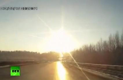 Meteori paraju nebo nad Rusijom