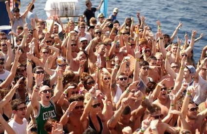 Legendarni boat partyji u prodaji