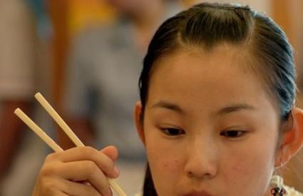 Kinezi više neće jesti štapićima?