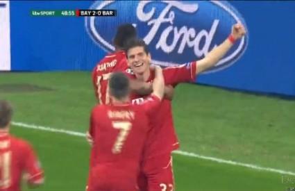 Gomez slavi gol