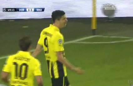 Lewandowski je postigao sva četiri gola