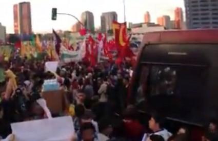 Milijun ljudi na ulicama, nevjerojatno!
