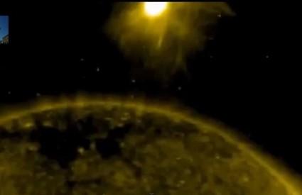 Strašno gigantsko svjetlo kraj Sunca