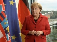 Viktor Orbán, Angela Merkel i rušenje tabua