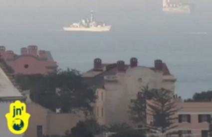 Ratni brodovi pred Gibraltarom