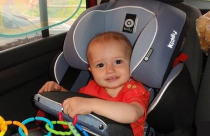 Osigurajte svoje dijete u automobilu
