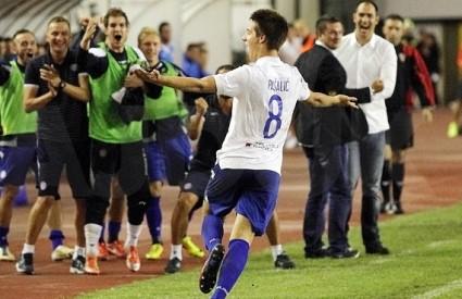 Mario Pašalić slavi prvi gol