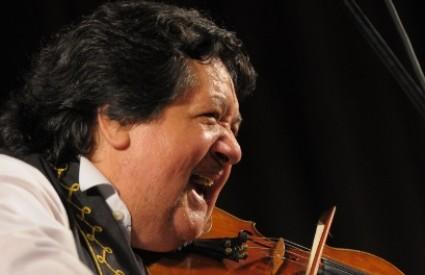 Volite li romske violine, ovo je koncert za vas