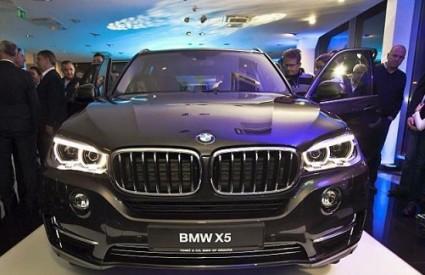 Moćni BMW-ov SAV