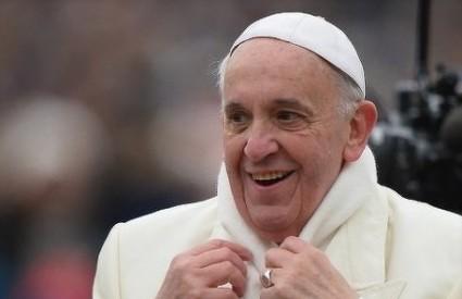 Papa Franjo radi reda u Vatikanu