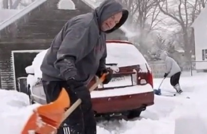 SAD su zametene snijegom