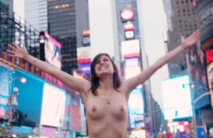 Topless rulez! :)