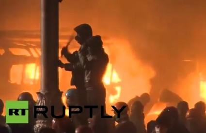 Kijev gori, parlament u kaosu