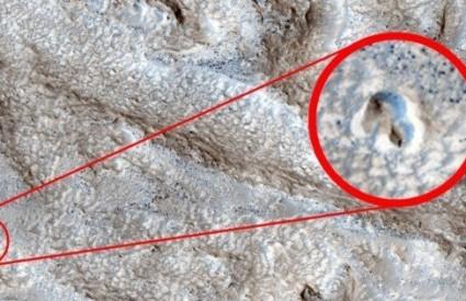 Tko je ovo postavio na Mars? :)