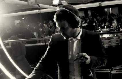 Mike Skinner u DJ setu na INmusicu