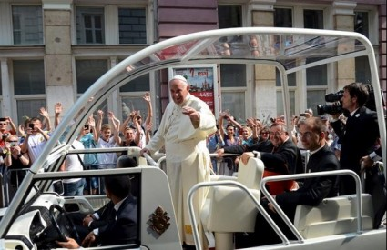 Papa više nema snage?