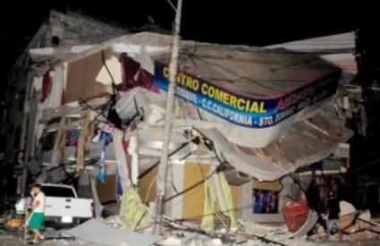 Snažni potresi uzrokovali velika razaranja