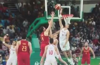 Šarić je blokirao Gasola u zadnjoj sekundi