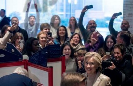 Hillary je glasala ...