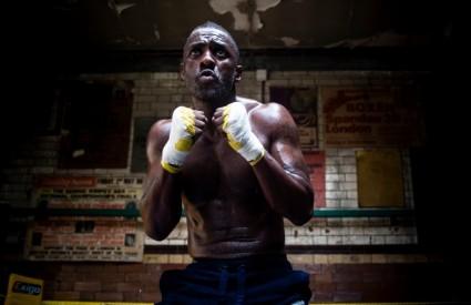 Idris Elba postaje - Borac