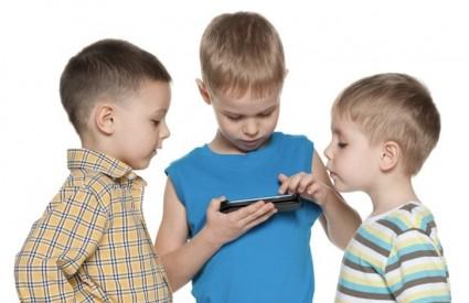 Djeca će se čistiti od mobitela barem u školi