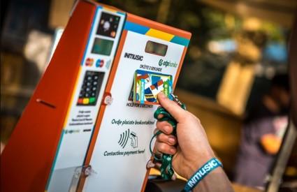 OTP banka omogućava beskontaktno plaćanje